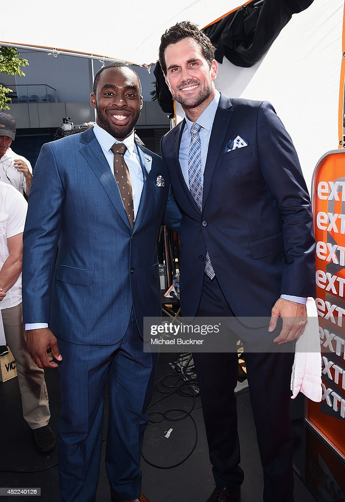 NFL players <a gi-track='captionPersonalityLinkClicked' href=/galleries/search?phrase=Chris+Ogbonnaya&family=editorial&specificpeople=2168653 ng-click='$event.stopPropagation()'>Chris Ogbonnaya</a> (L) and <a gi-track='captionPersonalityLinkClicked' href=/galleries/search?phrase=Matt+Leinart&family=editorial&specificpeople=171669 ng-click='$event.stopPropagation()'>Matt Leinart</a> attend The 2014 ESPYS at Nokia Theatre L.A. Live on July 16, 2014 in Los Angeles, California.