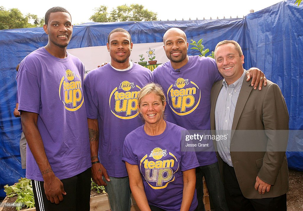 NBA players <a gi-track='captionPersonalityLinkClicked' href=/galleries/search?phrase=Devin+Ebanks&family=editorial&specificpeople=5293899 ng-click='$event.stopPropagation()'>Devin Ebanks</a>, Shannon Brown, <a gi-track='captionPersonalityLinkClicked' href=/galleries/search?phrase=Derek+Fisher&family=editorial&specificpeople=201724 ng-click='$event.stopPropagation()'>Derek Fisher</a> with Teaching Garden founder Kelly Meyer and American Heart association National Director Alex Barbieri during the Kelly Meyer and the American Heart Association Plant a 'Teaching Garden' event held at Figueroa Street Elementary School on October 15, 2010 in Los Angeles, California.