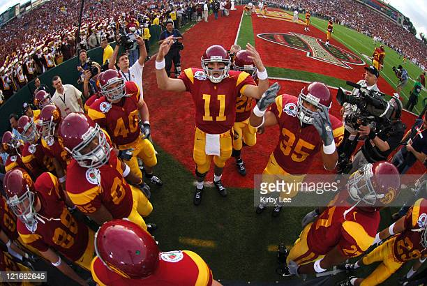 USC players huddle around quarterback Matt Leinart prior to the 2006 Rose Bowl game at the Rose Bowl in Pasadena California on January 4 2006
