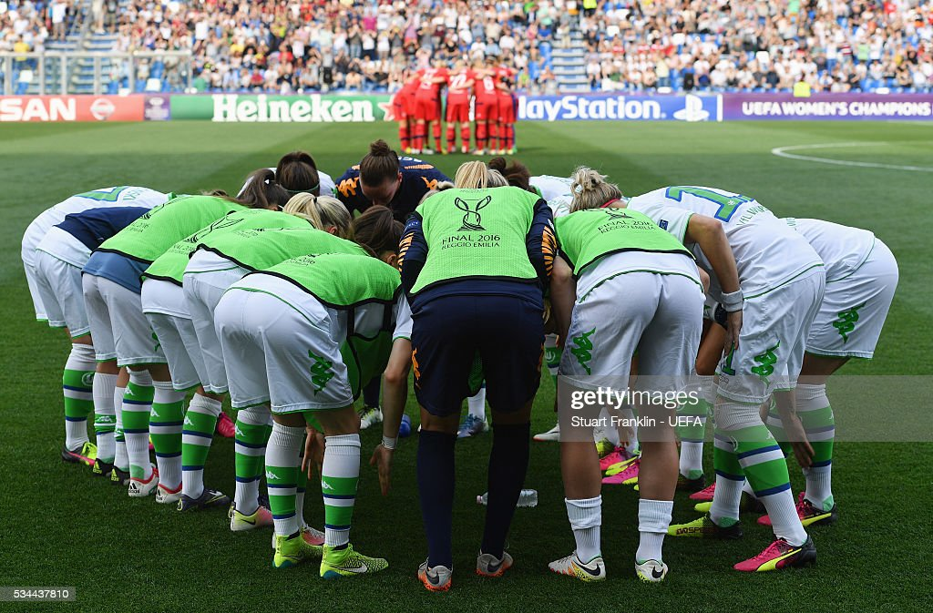 Players huddle prior to the UEFA Women's Champions League Final match between Wolfsburg and Lyon at Stadio Citta del Tricolore on May 26, 2016 in Reggio nell'Emilia, Italy.