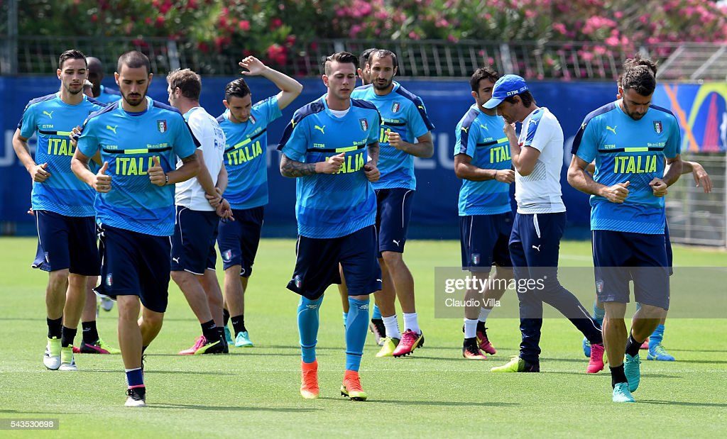 Players in action during the Italy training session at 'Bernard Gasset' Training Center on June 29, 2016 in Montpellier, France.