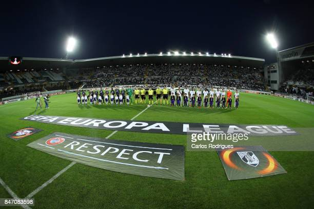 Players line up before the match between Vitoria Guimaraes and RB Salzburg for UEFA Europa League at Estadio da Dom Afonso Henriques on September 14...