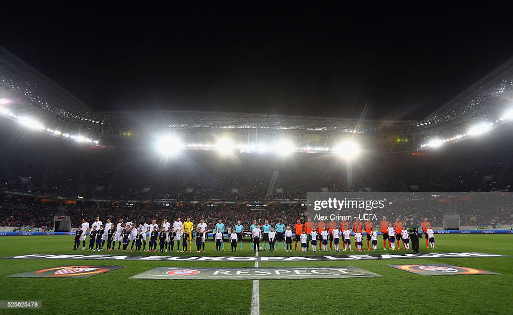 Players line up for the UEFA Europa League Semi Final first leg match between Shakhtar Donetsk and Sevilla at Arena Lviv on April 28, 2016 in Lviv, Ukraine.
