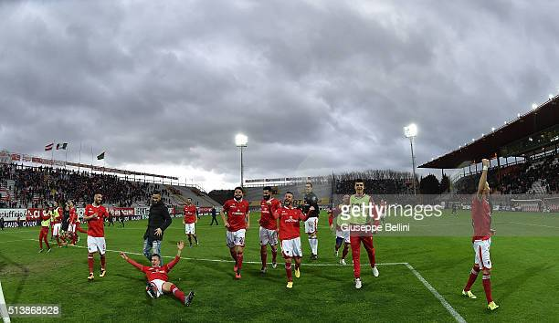 Players of AC Perugia celebrate the victory after the Serie B match between AC Perugia and Ternana Calcio at Stadio Renato Curi on March 5 2016 in...