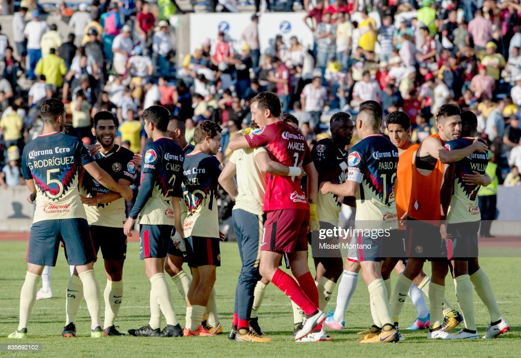 Players of America celebrate after winning the fifth round match between Lobos BUAP and America as part of the Torneo Apertura 2017 Liga MX at Olimpico de la BUAP Stadium on August 19, 2017 in Puebla, Mexico.