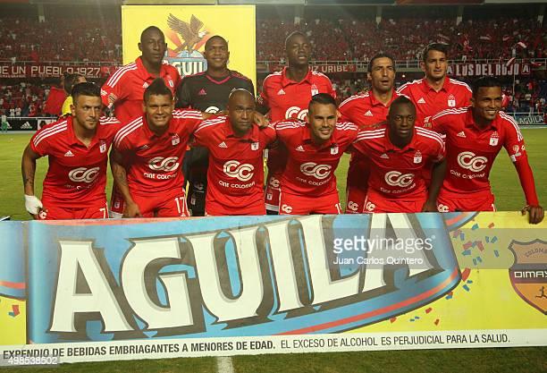 Players of America de Cali pose for a team photo during a match between America de Cali and Bucaramanga as part of fourth round of Quadrangular Group...
