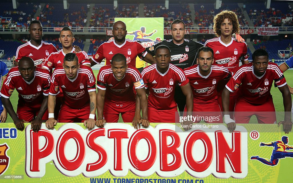Players of América de Cali pose for a team photo prior to a match between America de Cali and Santander as part of 14th round of Torneo Postobon 2014...