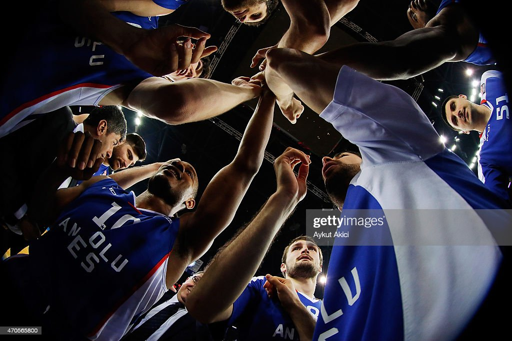 Players of Anadolu Efes Istanbul celebrate victory during the 20142015 Turkish Airlines Euroleague Basketball Play Off Game 3 between Anadolu Efes...