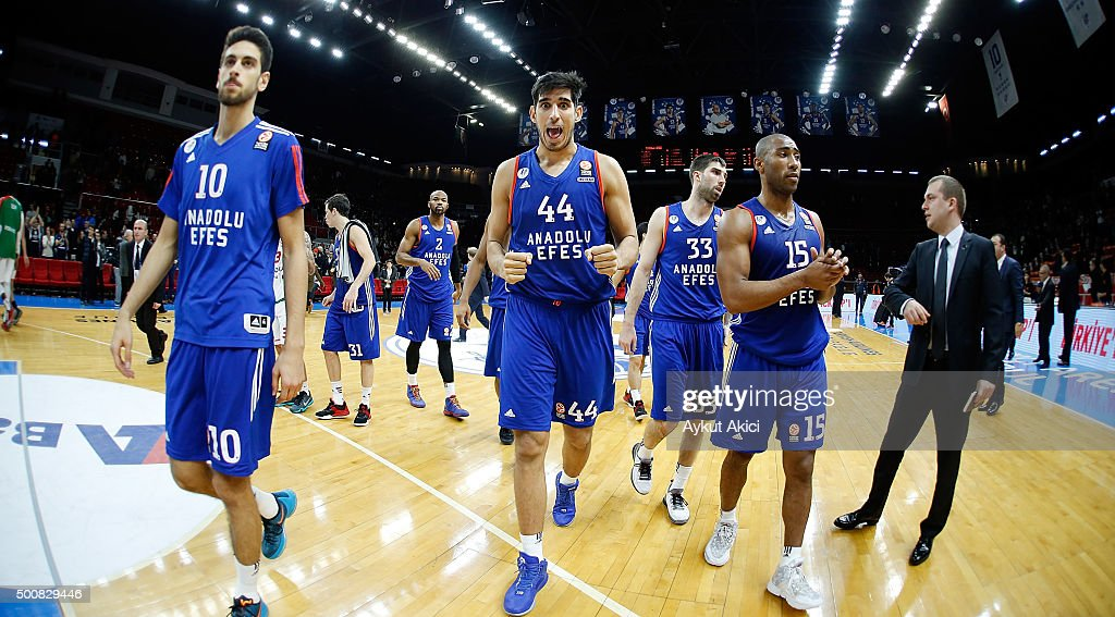 Players of Anadolu Efes Istanbul celebrate victory during the Turkish Airlines Euroleague Basketball Regular Season Round 9 game between Anadolu Efes...