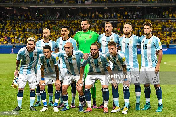 Players of Argentina pose for a photo before a match between Brazil and Argentina as part 2018 FIFA World Cup Russia Qualifier at Mineirao stadium on...