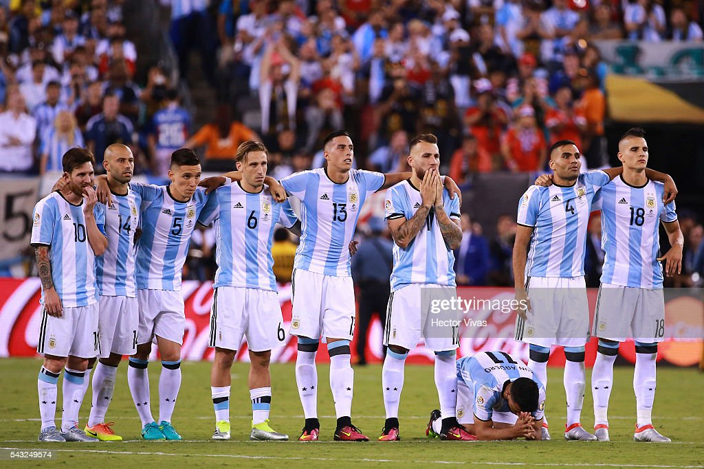 Players of Argentina react during the championship match between Argentina and Chile at MetLife Stadium as part of Copa America Centenario US 2016 on June 26, 2016 in East Rutherford, New Jersey, US.
