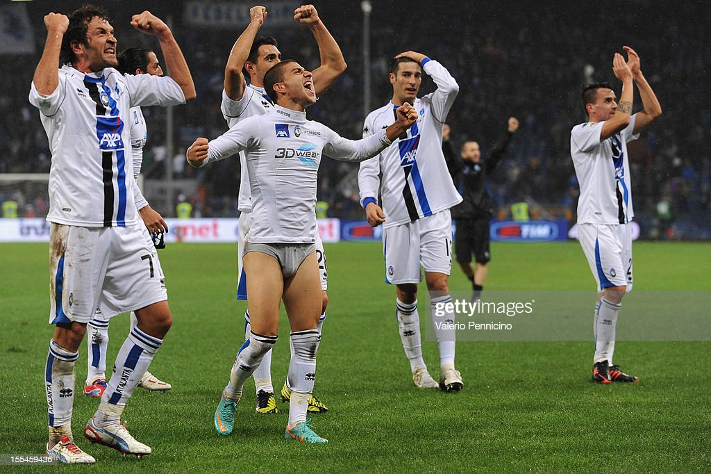Players of Atalanta BC celebrate victory at the end of the Serie A match between UC Sampdoria and Atalanta BC at Stadio Luigi Ferraris on November 4, 2012 in Genoa, Italy.