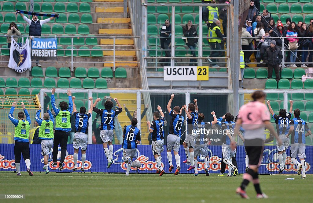 Players of Atalanta celebrate after winning the Serie A match between US Citta di Palermo and Atalanta BC at Stadio Renzo Barbera on February 3, 2013 in Palermo, Italy.