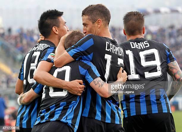 Players of Atalanta celebrate the equalizing goal during the Serie A match between Atalanta BC and Empoli FC at Stadio Atleti Azzurri d'Italia on...