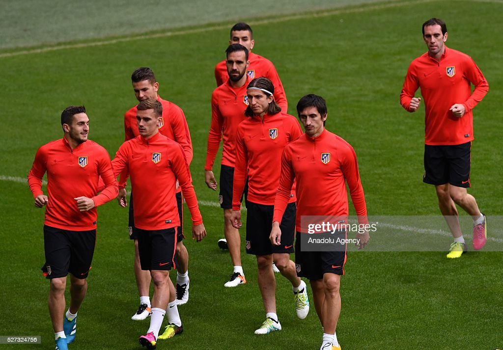 Players of Atletico Madrid attend a training session prior to the Champions League semifinal second leg soccer match between FC Bayern Munich and Atletico Madrid in Munich, Germany on May 2, 2016.