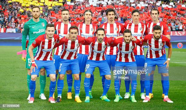 Players of Atletico Madrid prior the UEFA Champions League Quarter Final first leg match between Club Atletico de Madrid and Leicester City at...