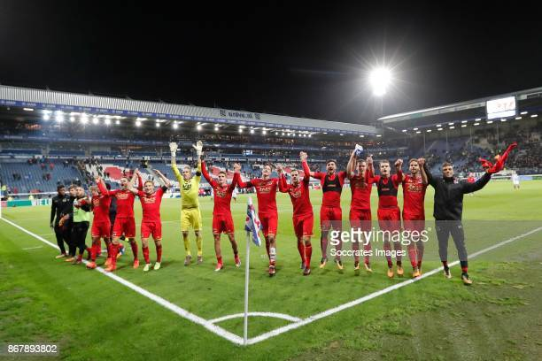 Players of AZ Alkmaar celebrate the victory during the Dutch Eredivisie match between SC Heerenveen v AZ Alkmaar at the Abe Lenstra Stadium on...
