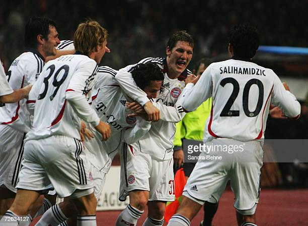 Players of Bayern Munich celebrate after Claudio Pizarro scores during the UEFA Champions League group B match between Spartak Moscow and Bayern...