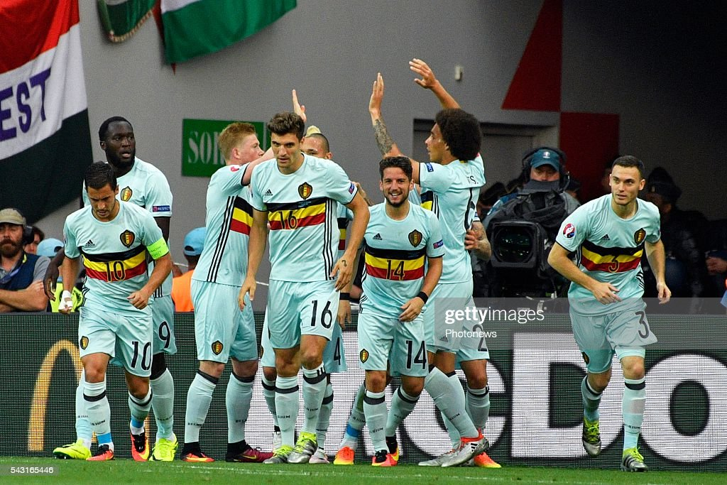 players of Belgium celebrate after Toby Alderweireld defender of Belgium scores the opening goal during the UEFA EURO 2016 Round of 16 match between Hungary and Belgium at the Stadium Toulouse on June 26, 2016 in Toulouse, France ,