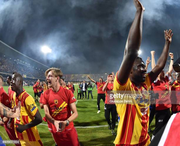 Players of Benevento Calcio celebrate the victory after the Serie B Play off Final match between Benevento Calcio and Carpi FC at Stadio Ciro...