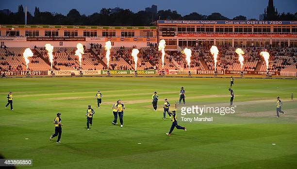 Players of Birmingham Bears celebrate taking an Essex Eagles wicket during the NatWest T20 Quarter Final match between Birmingham Bears and Essex...
