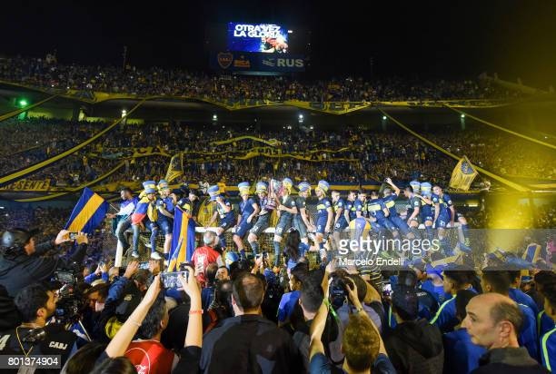 Players of Boca Juniors celebrate onthe goal after a match between Boca Juniors and Union as part of Torneo Primera Division 2016/17 at Alberto J...