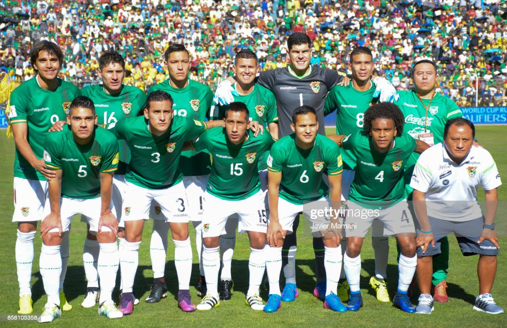 Players of Bolivia pose for the team photo during a match between Bolivia and Brazil as part of FIFA 2018 World Cup Qualifiers at Hernando Siles Stadium on October 05, 2017 in La Paz, Bolivia.