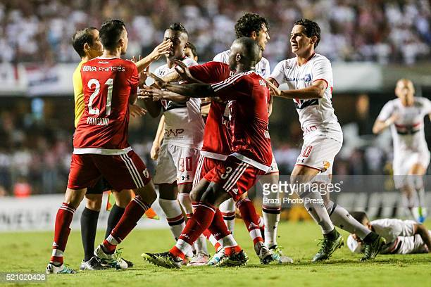 Players of both teams scuffle during a match between Sao Paulo and River Plate as part of Copa Bridgestone Libertadores 2016 at Morumbi Stadium on...