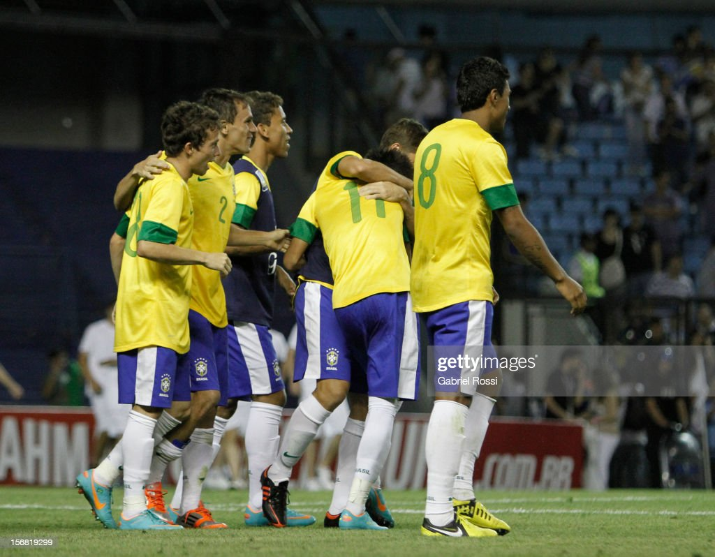 Players of Brazil celebrates after the second leg of the Superclasico de Las AmeŽricas (Doctor Nicolas Leoz Cup) between Argentina and Brazil at Bombonera Stadium on November 21, 2012 in Buenos Aires, Argentina.