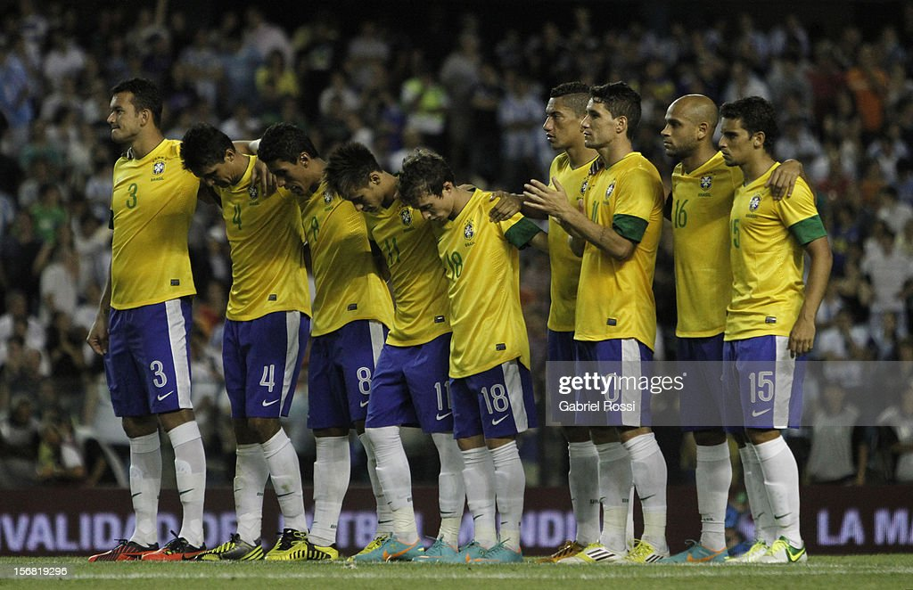 Players of Brazil during the second leg of the Superclasico de Las AmeŽricas (Doctor Nicolas Leoz Cup) between Argentina and Brazil at Bombonera Stadium on November 21, 2012 in Buenos Aires, Argentina.