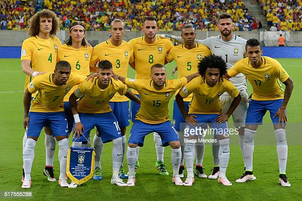 Players of Brazil pose for photo during a match between Brazil and Uruguay as part of 2018 FIFA World Cup Russia Qualifiers at Arena Pernanbuco on...