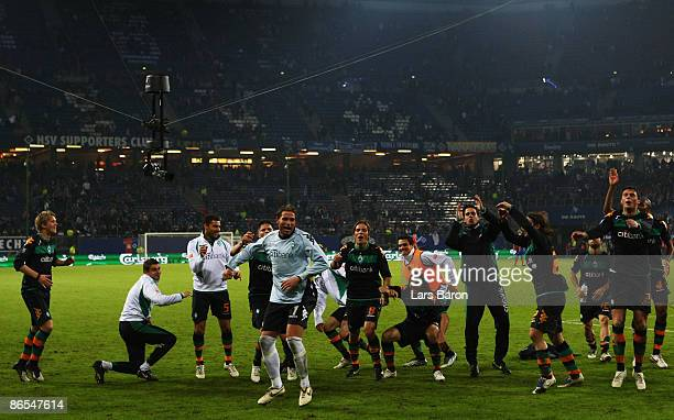 Players of Bremen celebrate their victory after the UEFA Cup Semi Final second leg match between Hamburger SV and SV Werder Bremen at the HSH...
