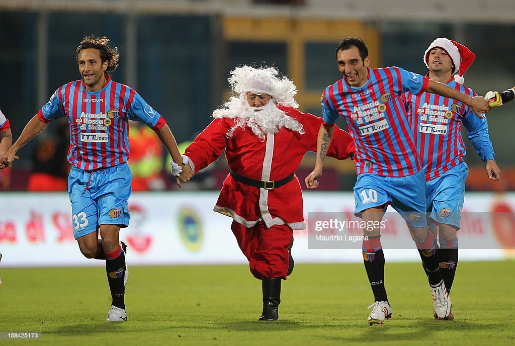 Players of Catania celebrate after the Serie A match between Calcio Catania and UC Sampdoria at Stadio Angelo Massimino on December 16, 2012 in Catania, Italy.