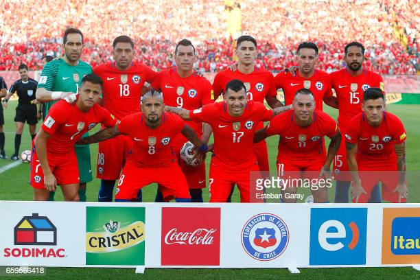 Players of Chile pose for a team photo prior to a match between Chile and Venezuela as part of FIFA 2018 World Cup Qualifier at Monumental Stadium on...
