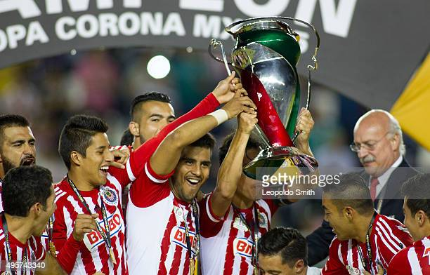 Players of Chivas celebrate their championship after the Final match between Leon and Chivas as part of the Copa MX Apertura 2015 at Leon Stadium on...