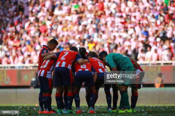 Players of Chivas gather prior the Final second leg match between Chivas and Tigres UANL as part of the Torneo Clausura 2017 Liga MX at Chivas...
