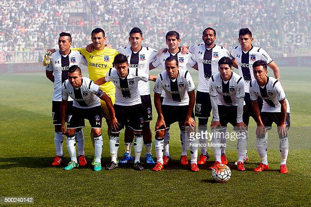 Players of Colo Colo pose for a team photo prior to the 15th round match between Santiago Wanderers and Colo Colo as part of the Campeonato Apertura...