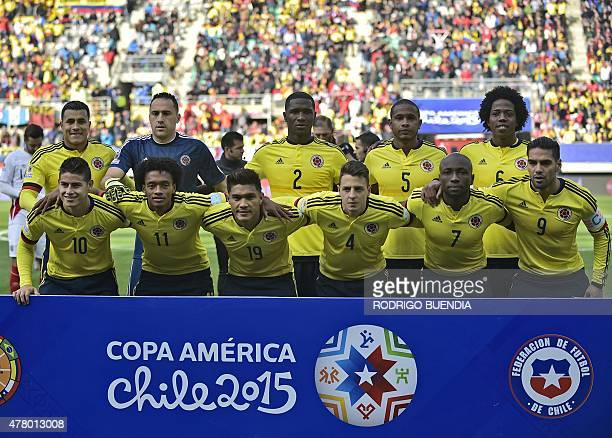 Players of Colombia pose for pictures before the start of the 2015 Copa America football championship match against Peru in Temuco Chile on June 21...