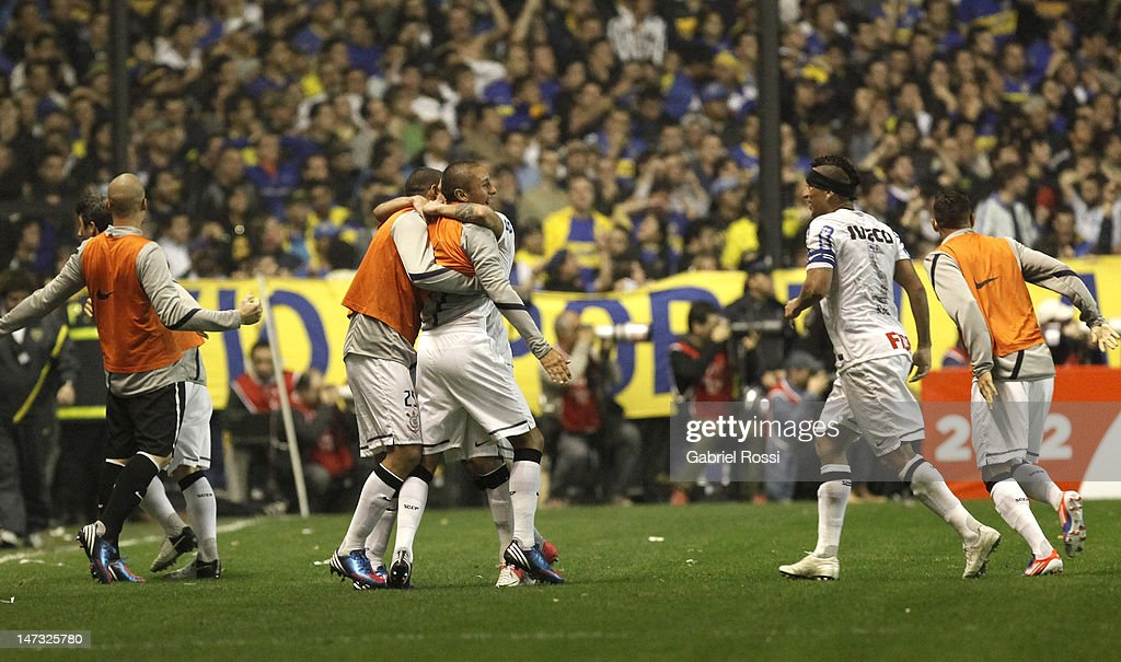 Players of Corinthians , celebrates a goal during the first leg of the final of the Copa Libertadores 2012 between Boca Jrs.(Argentina) and Corinthians (Brazil) at Alberto J. Armando stadium on June 26, 2012 in Buenos Aires, Argentina.