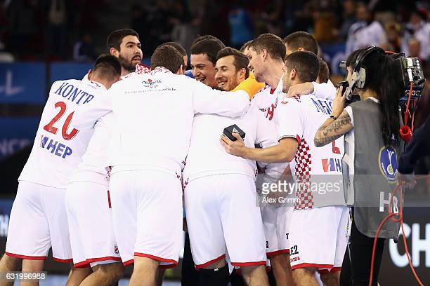 Players of Croatia celebrate after the 25th IHF Men's World Championship 2017 match between Croatia and Chile at Kindarena on January 18 2017 in...