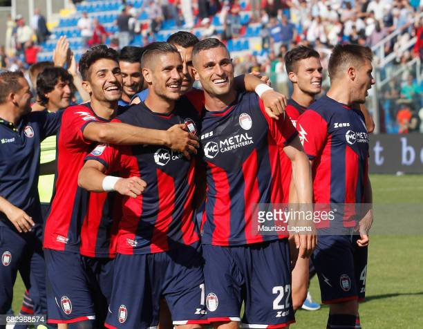 Players of Crotone celebrate after the Serie A match between FC Crotone and Udinese Calcio at Stadio Comunale Ezio Scida on May 14 2017 in Crotone...