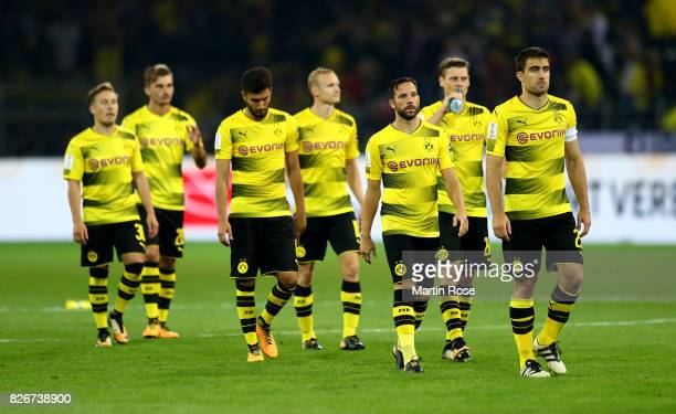 Players of Dortmund look dejected after the DFL Supercup 2017 match between Borussia Dortmund and Bayern Muenchen at Signal Iduna Park on August 5...