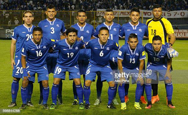 Players of El Salvador pose prior a match between El Salvador and Mexico as part of FIFA 2018 World Cup Qualifiers at Cuscatlan Stadium on September...
