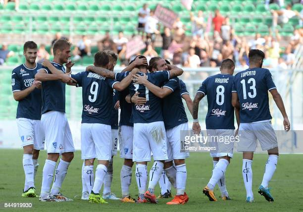 Players of Empoli celebrate during the Serie B match between US Citta di Palermo and Empoli FC at Stadio Renzo Barbera on September 9 2017 in Palermo...