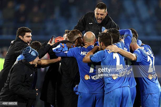 Players of Empoli FC celebrate the victory after the Serie A match between Empoli FC and SS Lazio at Stadio Carlo Castellani on November 29 2015 in...