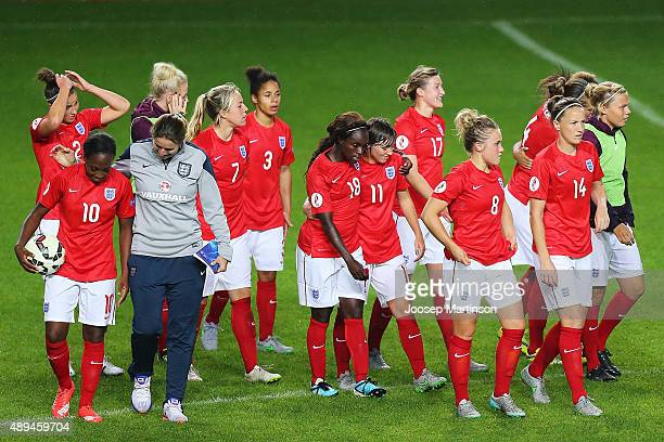 Players of England celebrate after the UEFA Women's Euro 2017 Qualifier match between Estonia and England at A Le Coq Arena on September 21 2015 in...