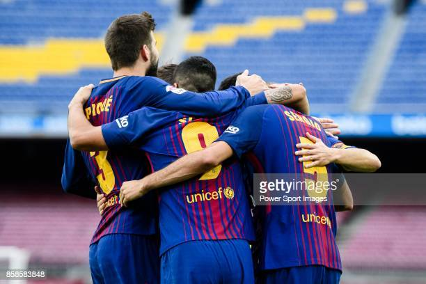 Players of FC Barcelona celebrate during the La Liga 201718 match between FC Barcelona and Las Palmas at Camp Nou on 01 October 2017 in Barcelona...