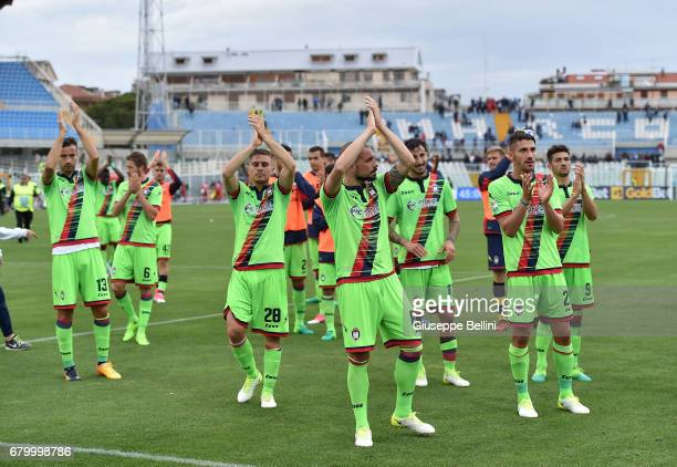 Players of FC Crotone celebrates the victory after the Serie A match between Pescara Calcio and FC Crotone at Adriatico Stadium on May 7 2017 in...