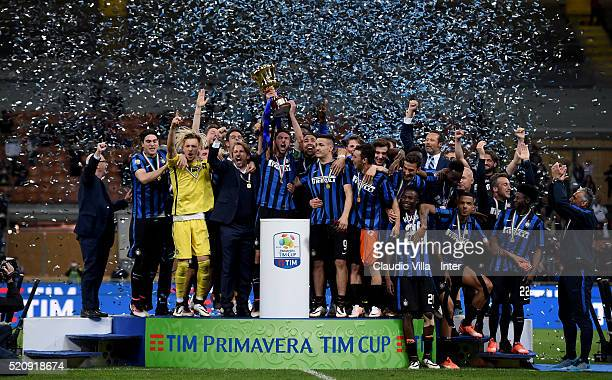 Players of FC Internazionale celebrate at the end of the Juvenile TIM Cup final first leg match between FC Internazionale and FC Juventus on April 13...