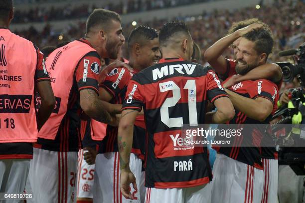 Players of Flamengo celebrates a scored goal by Diego during the match between Flamengo and San Lorenzo as part of Copa Bridgestone Libertadores 2017...